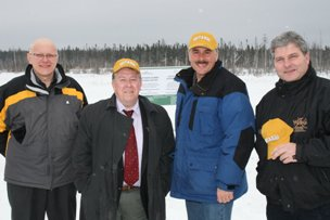 Ed Cocchiarella, Manager Environment Ontario Operations, Vale Inco; Michael Gravelle, MNDM Minister; Gordon Miller, Environmental Commissioner of Ontario; and Chris Hodgson, OMA President
