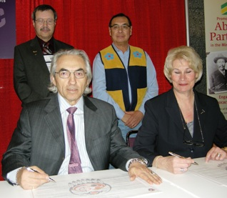 Front - AFN Chief Phil Fontaine; PDAC President Patricia Dillon  Back Row - PDAC, Donald Bubar; AFN, Littlechild Wilton