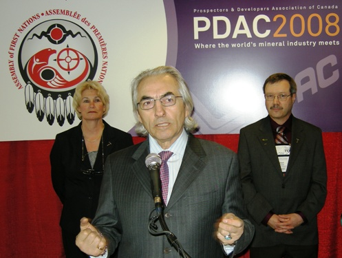 PDAC President, Patricia Dillon; AFN Chief Phil Fontaine; PDAC Chair of Aboriginal Committee, Donald Bubar