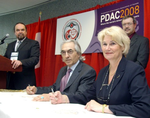 (L-R) Chief Glenn Nolan; AFN National Chief Phil Fontaine; former PDAC President Patricia Dillon; Donald Bubar PDAC - AFN Photo