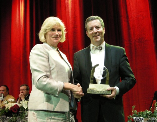 (L to R) Patricia Dillon PDAC Immediate Past President; Ross J. Beaty