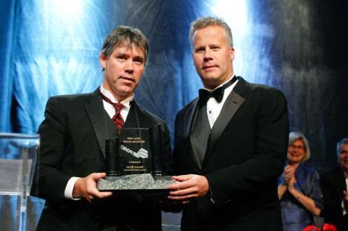 (L to R) Shawn Ryan, PDAC Prospector of the Year; PDAC President Scott Jobin-Bevans