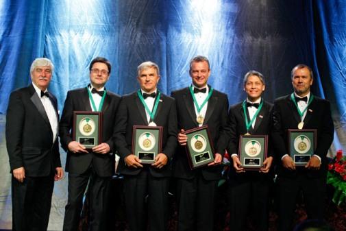 (L to R)  Joe Hinzer, PDAC; Anglo American Exploration Team, Graham Brown, Vicente Irarrazaval, Graeme Lyall, William Robles, Juan Carlos Toro