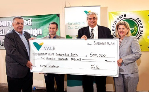 Tito Martins, Executive Director for Base Metals, Vale and CEO, Vale Canada; John Pollesel, Chief Operating Officer, Vale Canada; Geoffrey Lougheed, Chair of the Food Bank; Marianne Matichuk, City of Greater Sudbury Mayor